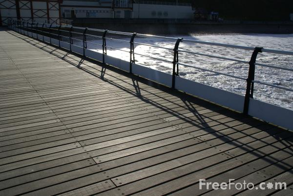 Picture of Pier, Saltburn By The Sea - Free Pictures - FreeFoto.com
