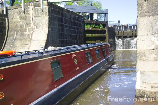 Picture of Bingley Five Rise lock - Free Pictures - FreeFoto.com