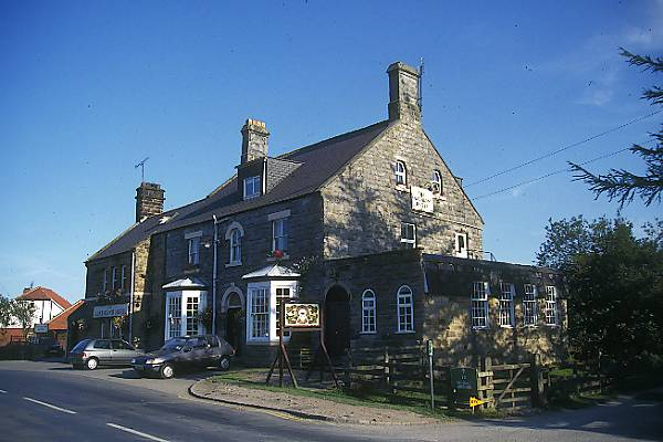 Picture of The Goathland Hotel, Goathland, Aidensfield, Heartbeat Country - Free Pictures - FreeFoto.com