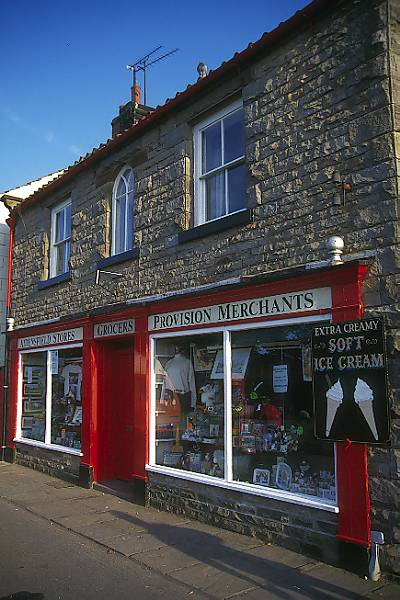 Picture of Grocers, Goathland - Aidensfield - Heartbeat Country - Free Pictures - FreeFoto.com