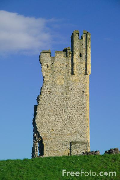 Picture of Helmsley Castle, North Yorkshire - Free Pictures - FreeFoto.com