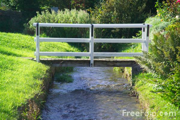 Picture of Footbridge, Helmsley, North Yorkshire - Free Pictures - FreeFoto.com