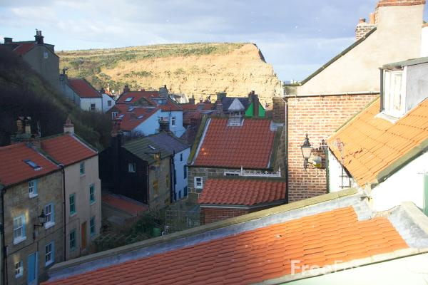 Picture of Staithes, North Yorkshire - Free Pictures - FreeFoto.com