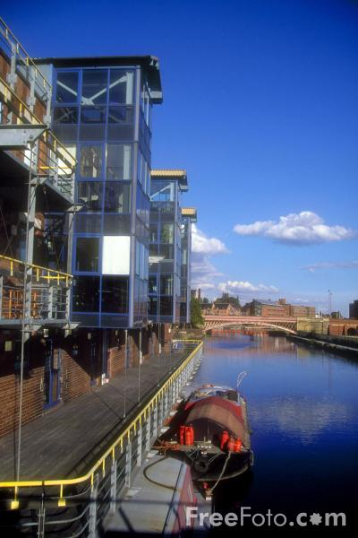 Picture of Leeds Waterfront - Free Pictures - FreeFoto.com