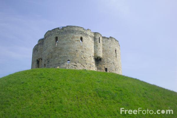 Picture of Clifford's Tower, York - Free Pictures - FreeFoto.com