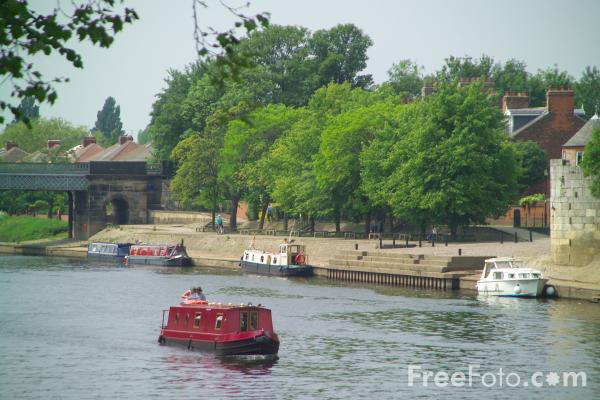 Picture of The River Ouse, York - Free Pictures - FreeFoto.com