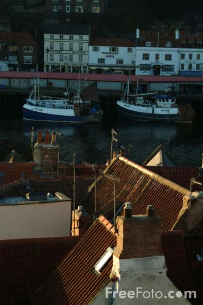 Picture of Whitby Rooftops, North Yorkshire - Free Pictures - FreeFoto.com
