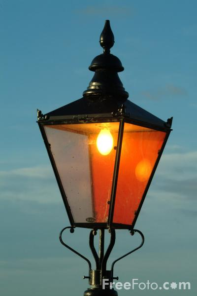 Picture of Street Light, Whitby, North Yorkshire - Free Pictures - FreeFoto.com