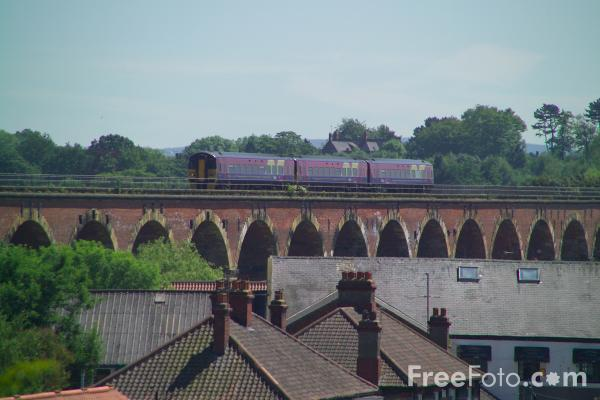 Picture of Yarm Viaduct - Free Pictures - FreeFoto.com