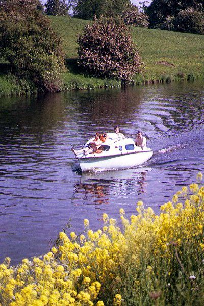 Picture of Boating on the River Tees, Yarm - Free Pictures - FreeFoto.com