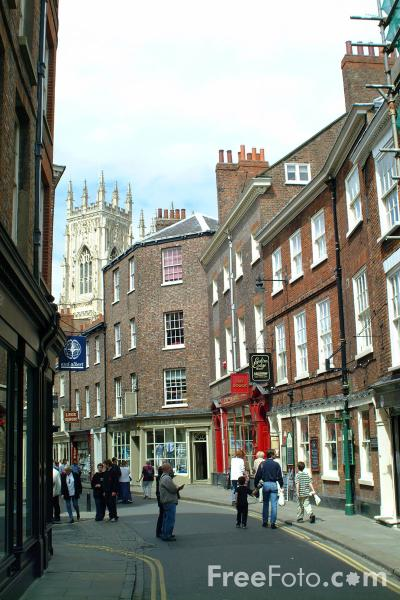 Picture of Low Petergate, City of York - Free Pictures - FreeFoto.com