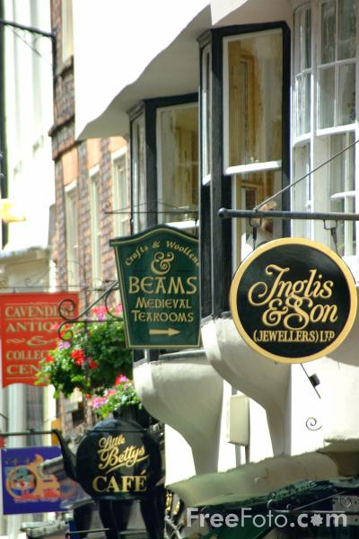 Picture of Stonegate, City of York - Free Pictures - FreeFoto.com