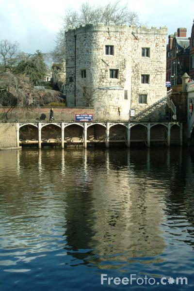 Picture of The Lendal Tower over looking the River Ouse at York - Free Pictures - FreeFoto.com