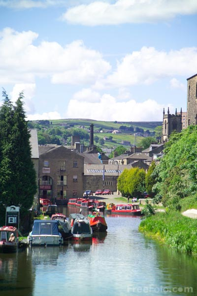 Picture of The Rochdale Canal, Sowerby Bridge, West Yorkshire - Free Pictures - FreeFoto.com
