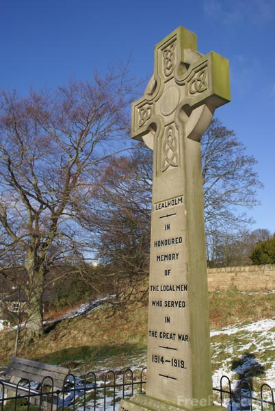 Picture of War Memorial, Lealholm, Esk Valley - Free Pictures - FreeFoto.com