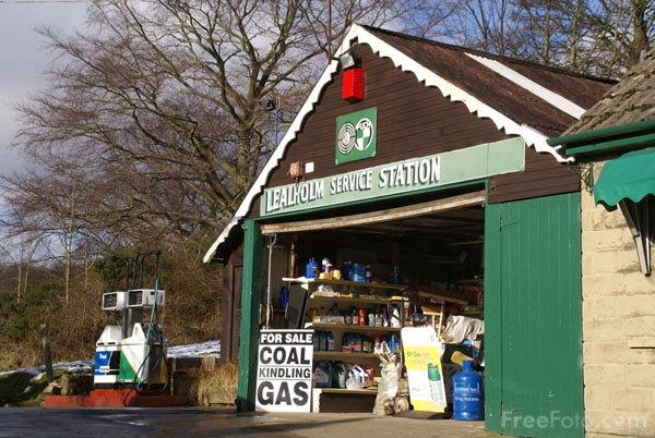 Picture of Garage, Lealholm, Esk Valley - Free Pictures - FreeFoto.com