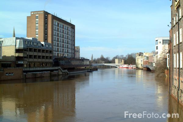 Picture of The Viking Hotel, York - Free Pictures - FreeFoto.com