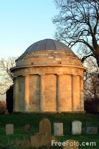 Picture of Mausoleum of the Meysey-Thompson family - Free Pictures - FreeFoto.com