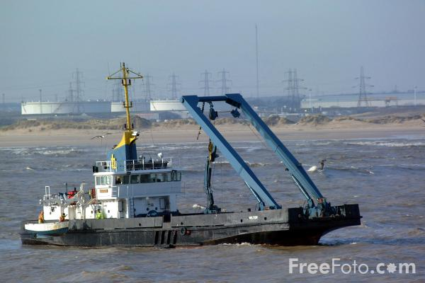 Picture of Buoy maintenance vessel, Wilton, Tees and Hartlepool Port Authority - Free Pictures - FreeFoto.com