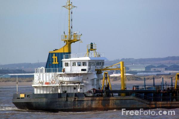Picture of Dredger, Heortnesse, Tees and Hartlepool Port Authority - Free Pictures - FreeFoto.com