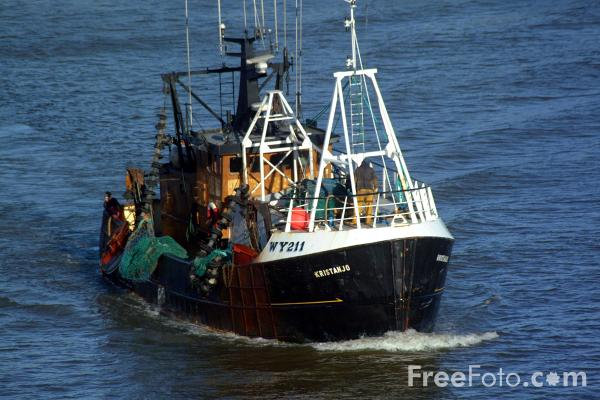 Picture of Fishing Boat WY211 Kristanjo, Whitby Harbour - Free Pictures - FreeFoto.com