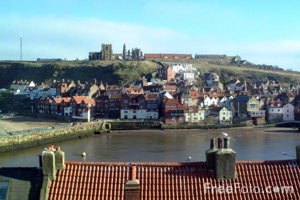 Picture of Celtic Cross, Whitby, North Yorkshire - Free Pictures - FreeFoto.com