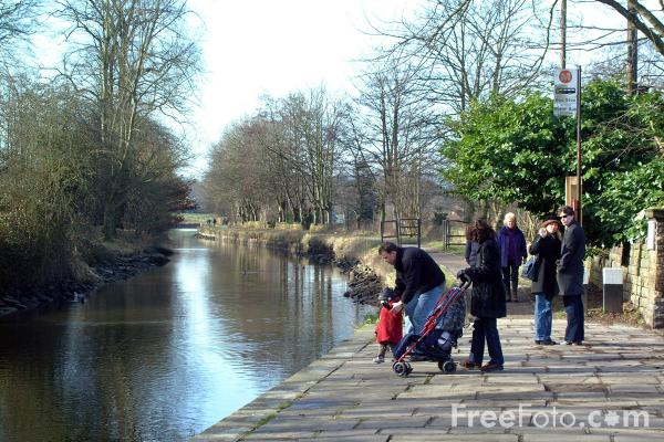 Picture of Saltaire - Free Pictures - FreeFoto.com