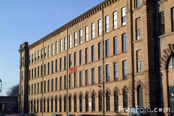 Picture of Salts Mill, Saltaire - Free Pictures - FreeFoto.com