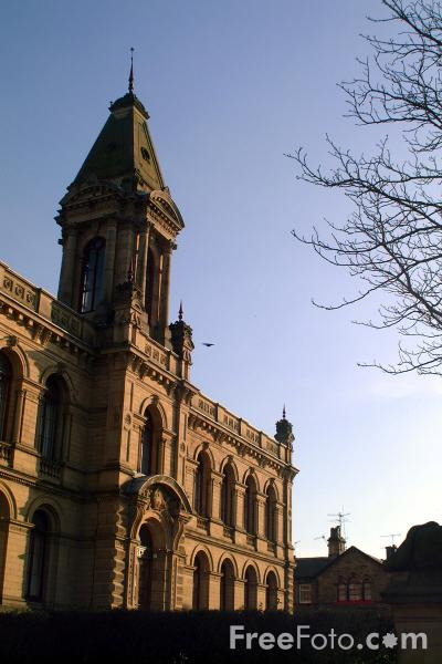Picture of Victoria Hall and Institute, Saltaire - Free Pictures - FreeFoto.com