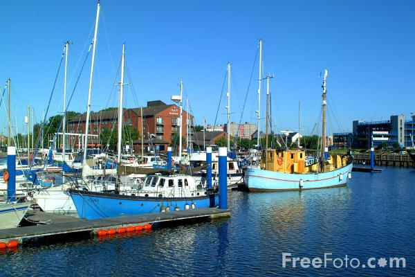 Picture of Hull Marina - situated in the heart of Kingston upon Hull - Free Pictures - FreeFoto.com