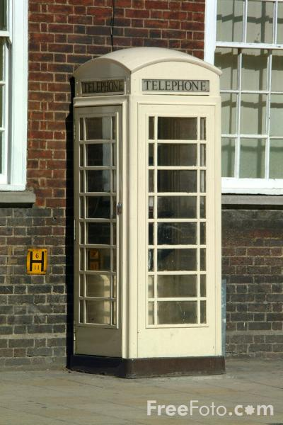 Picture of Kingston Communications Phonebox, Kingston upon Hull - Free Pictures - FreeFoto.com
