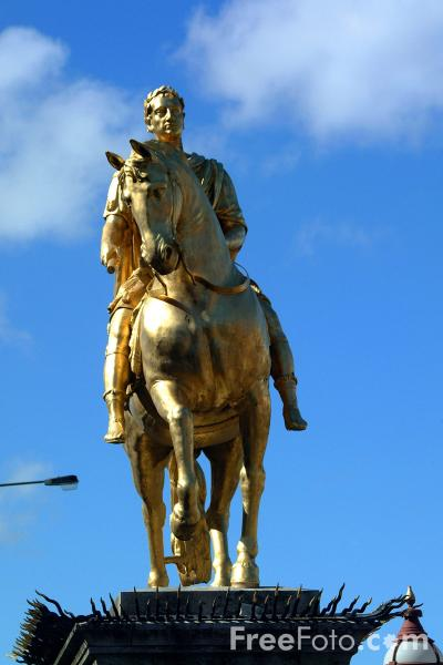 Picture of The King William Statue, Kingston upon Hull - Free Pictures - FreeFoto.com