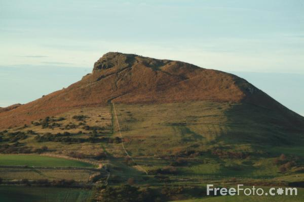 Picture of Roseberry Topping, North York Moors, Yorkshire - Free Pictures - FreeFoto.com