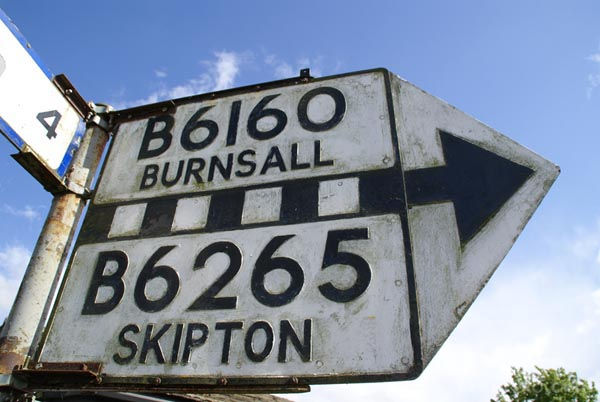 Picture of Road Sign, Kettlewell, Wharfedale - Free Pictures - FreeFoto.com