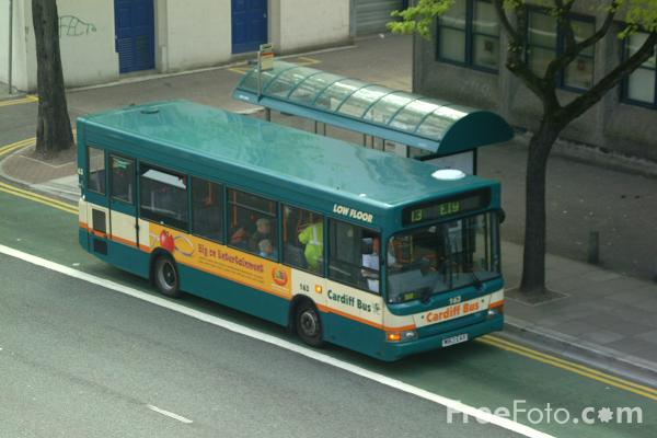 Picture of Cardiff Bus - Free Pictures - FreeFoto.com