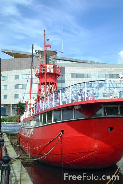 Picture of Lightship, Cardiff Bay - Free Pictures - FreeFoto.com