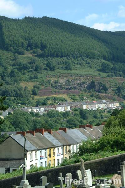 Picture of Aberfan - Free Pictures - FreeFoto.com