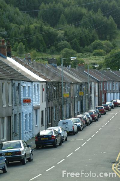 Picture of Terraced houses, Treherbert, Rhondda Valley, South Wales - Free Pictures - FreeFoto.com