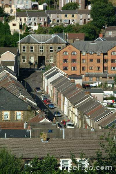 Picture of Terraced houses, Rhondda Valley, South Wales - Free Pictures - FreeFoto.com