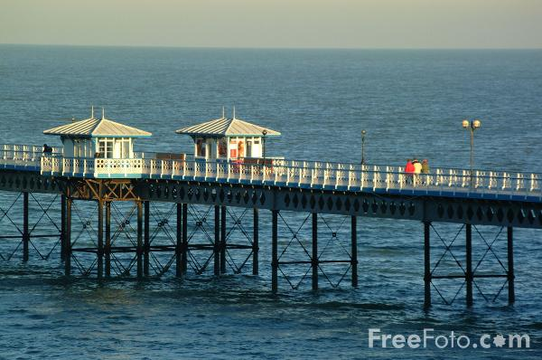 Picture of The 120 year old pier, Llandudno - Free Pictures - FreeFoto.com