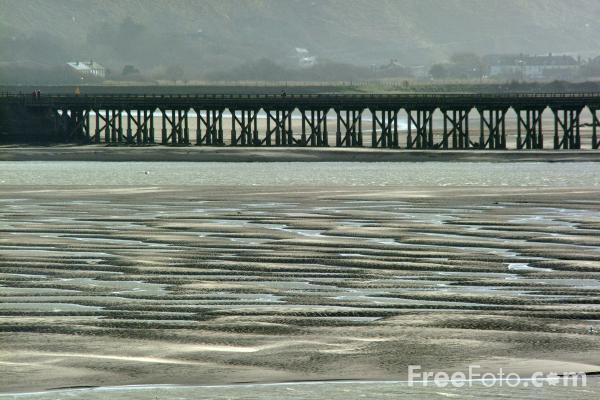 Picture of Mawddach Estuary, Barmouth, Gwynedd, Wales - Free Pictures - FreeFoto.com