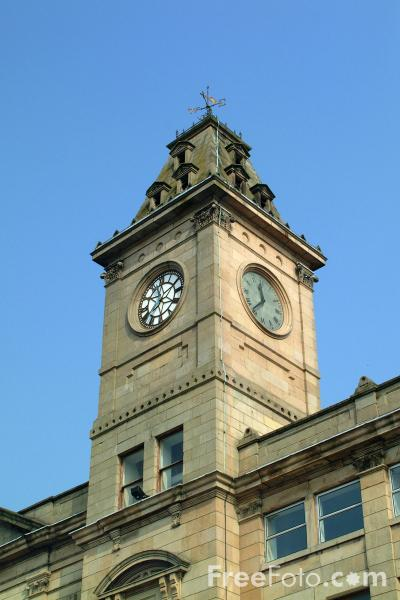 Picture of The Town Hall in Broad Street, Welshpool, Powys, Wales - Free Pictures - FreeFoto.com