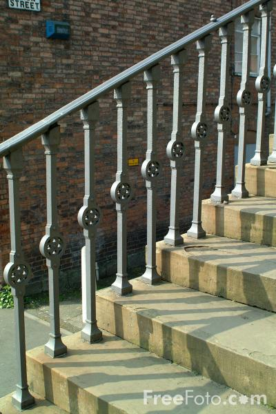 Picture of Stone Staircase, Welshpool, Powys, Wales - Free Pictures - FreeFoto.com