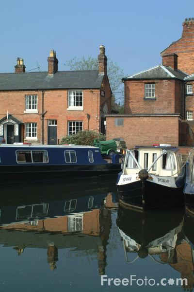 Picture of The Canal Wharf, Welshpool, Powys, Wales - Free Pictures - FreeFoto.com