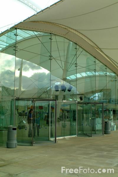 Picture of Dynamic Earth - Free Pictures - FreeFoto.com