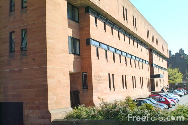 Picture of College of Art - Free Pictures - FreeFoto.com