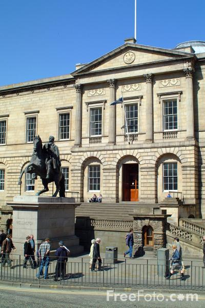 Picture of National Archives of Scotland, Edinburgh - Free Pictures - FreeFoto.com