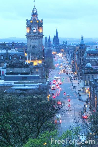 Picture of Princes Street, Night Time, Edinburgh - Free Pictures - FreeFoto.com