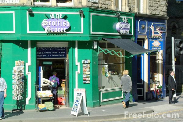Picture of The Scottish Grocer, The Royal Mile, Edinburgh - Free Pictures - FreeFoto.com