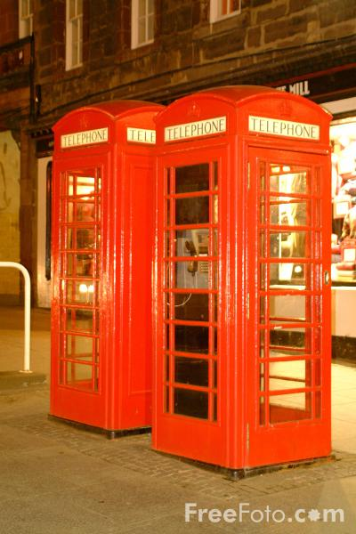 Picture of Telephone Box, The Royal Mile, Edinburgh - Free Pictures - FreeFoto.com
